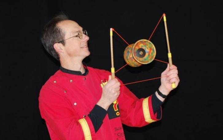 OMSI instructor Rhys Thomas with Chinese yo-yo