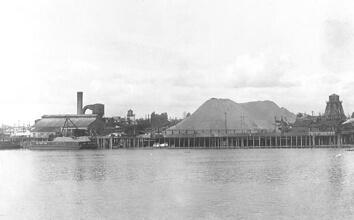 Photo of OMSI property from early 20th century